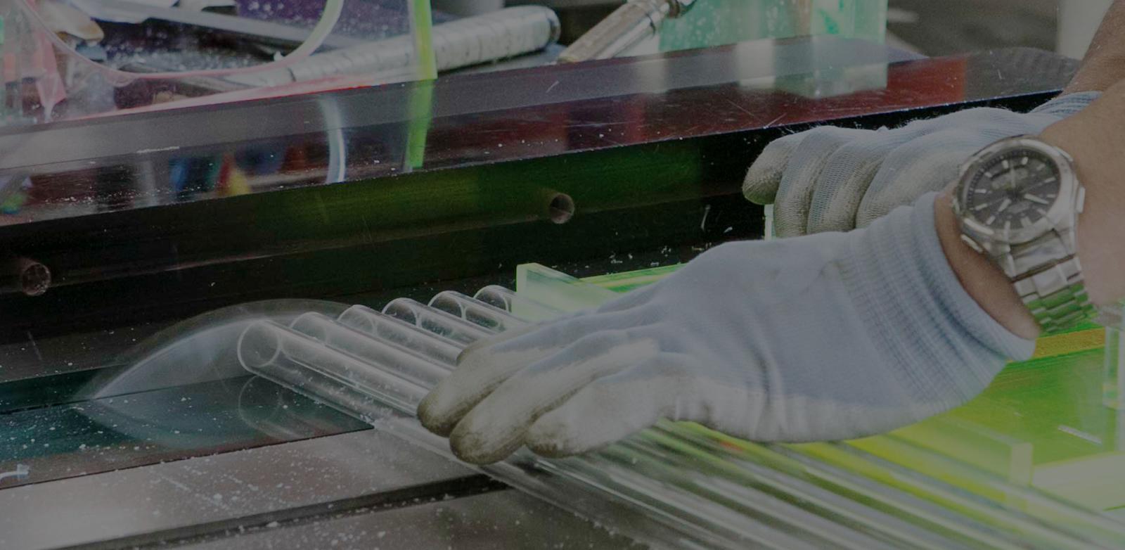 ディスプレイ量産工場について